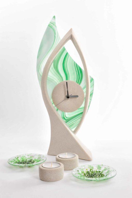 Standuhr modern grün